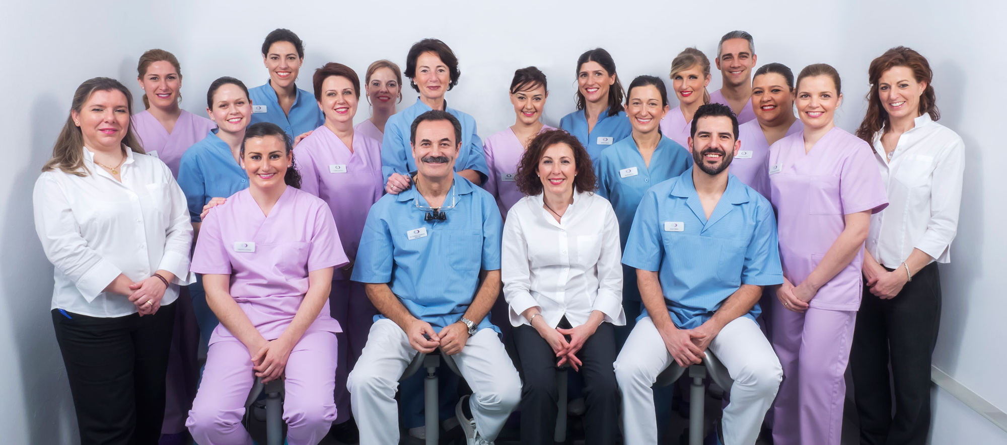 Equipo dentista en Sevilla